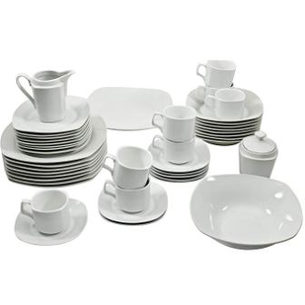 10 Strawberry Street Dinnerware Set