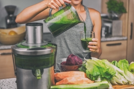 Top 15 Best Juicers for Greens in 2020