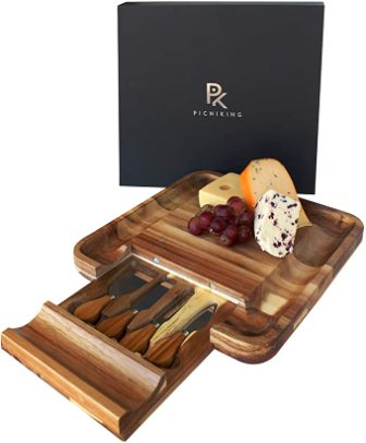 PicniKing Cheese Board and Knife Set