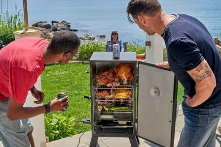 Top 15 Best Electric Smokers - Reviews and Guide for 2020