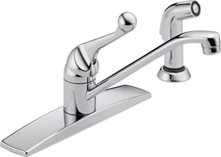 Delta Classic: Single Handle Kitchen Faucet with Spray